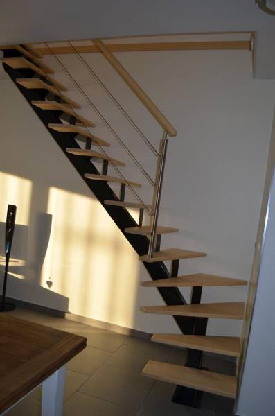 pin escalier quart tournant bas en hêtre duo on pinterest